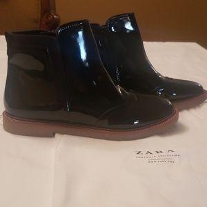 NEW Zara navy blue booties size 4
